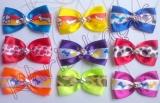 Gravata borboleta de cetim com fita decorada